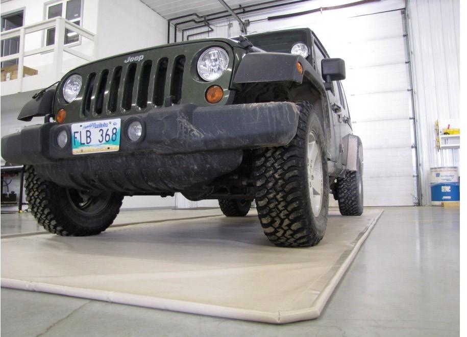 with raised mats en weathertech garage solid techfloor squares mat floor ca